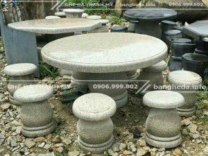 bàn ghế đá tự nhiên 1
