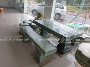 Bàn ghế đá nguyên khối tại đồng nai