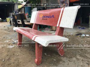 sản xuất Ghế đá sân vườn trắng đỏ