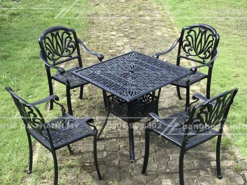 bàn ghế sân vườn 2